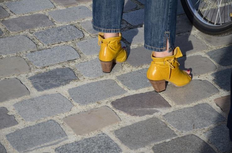Gehakte gele schoentjes met open neus