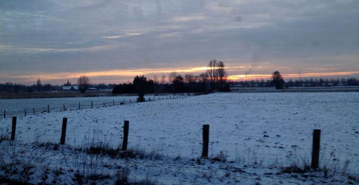 Sneeuw vanuit de trein